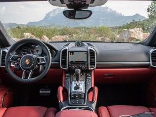 Fotos Porsche Cayenne Turbo y S 2015 Foto 43