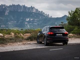 Fotos Porsche Cayenne Turbo y S 2015 Foto 46