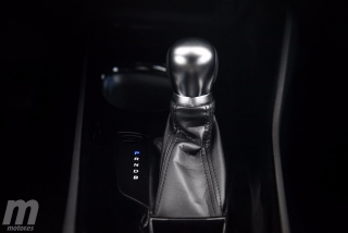 Fotos Toyota C-HR vs Kia Niro Foto 51