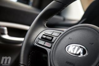Fotos Toyota C-HR vs Kia Niro Foto 75
