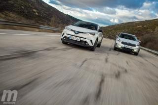 Fotos Toyota C-HR vs Kia Niro Foto 123