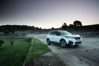 Galería Peugeot 3008-Hybrid Foto 7