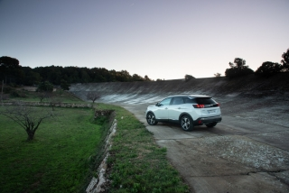 Galería Peugeot 3008-Hybrid Foto 30