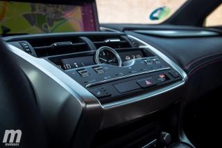 Lexus CT 200h y NX 300h 2018 Foto 39