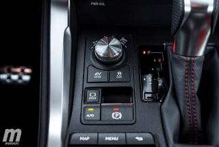 Lexus CT 200h y NX 300h 2018 Foto 41