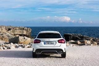 Mercedes GLA y GLA45 AMG 2017 Foto 18