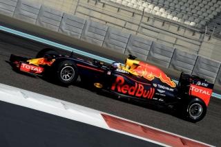 Neumáticos Pirelli F1 2017 Foto 77