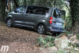 Foto 1 - Peugeot Traveller Standard