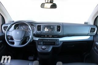 Foto 3 - Peugeot Traveller Standard