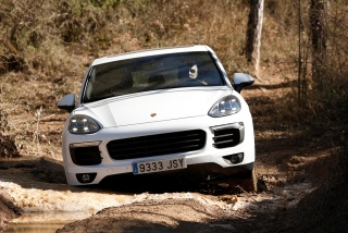 Prueba offroad Porsche Cayenne Foto 48