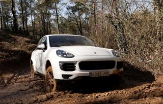 Prueba offroad Porsche Cayenne Foto 49
