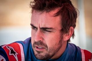 Foto 2 - Fotos test Fernando Alonso con el Toyota Hilux del Dakar