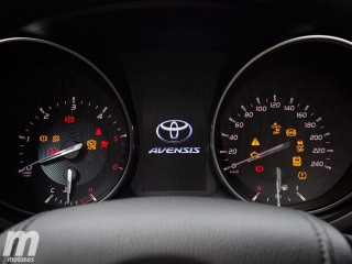 Toyota Avensis 2015 Foto 12