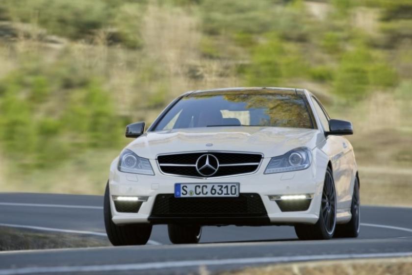 (Acualizado) Mercedes ha hecho oficial el  C63 AMG Coupé, con vídeo incluido