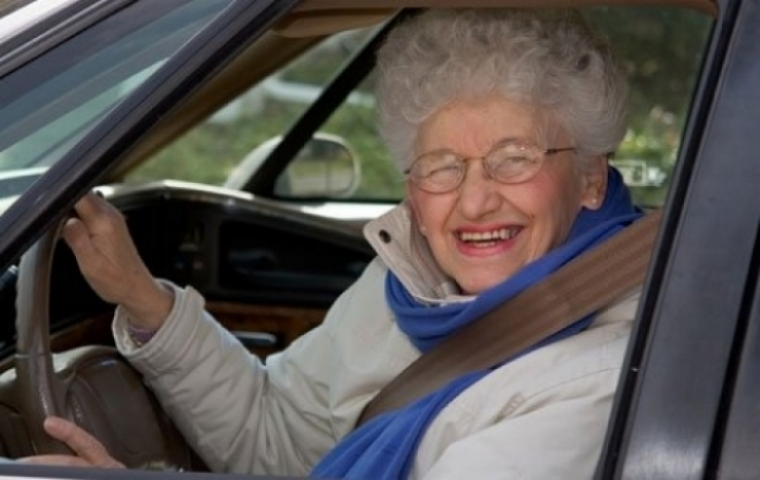 Al comprar un coche de segunda mano, ojo con la abuela