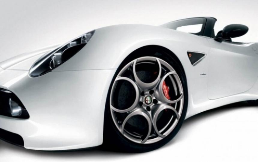 Alfa Romeo 8C Spider, digno heredero de la tradición
