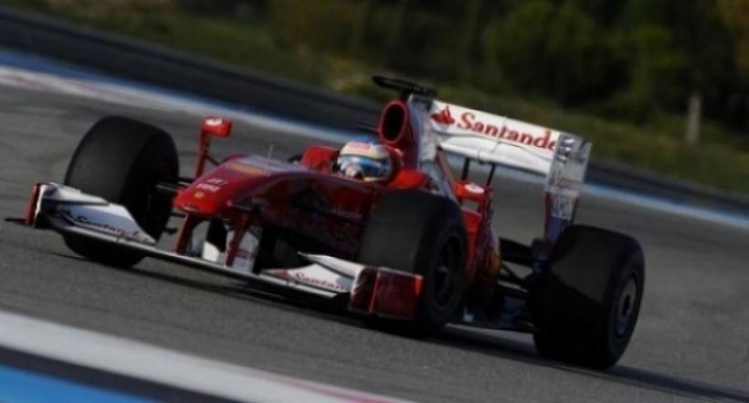 Alonso prueba el F60