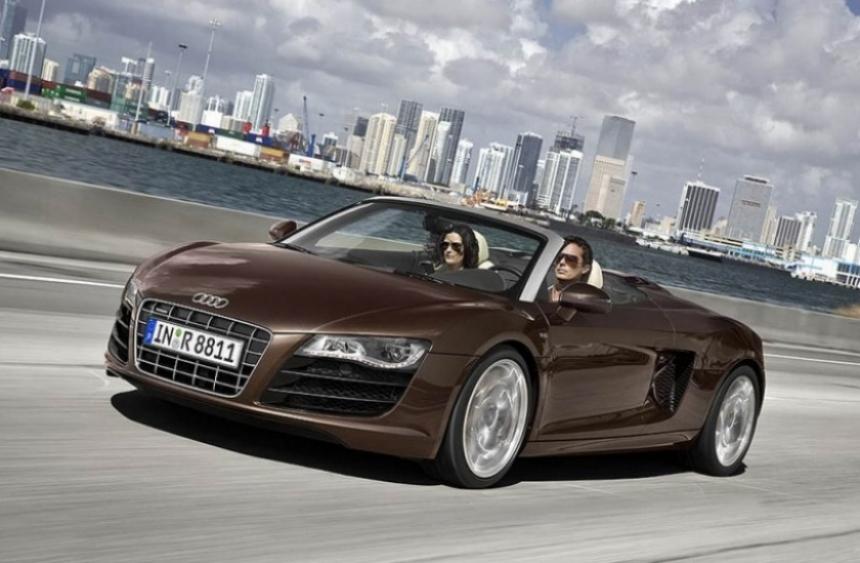 Audi R8 Spyder en la línea de montaje