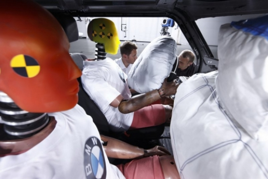 BMW revela la primera imagen oficial del Megacity.