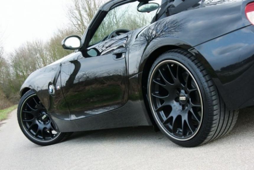 BMW Z4 de 550 CV preparado por Manhart Racing.