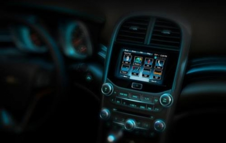 Chevrolete muestra ahora parte del interior del Malibu