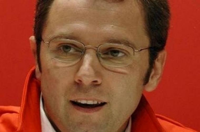 Domenicali califica de milagro la lucha de Ferrari por el título
