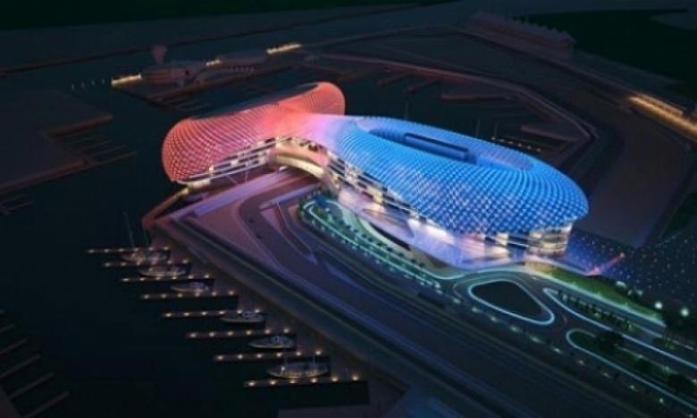 El circuito de Abu Dhabi con luz artificial