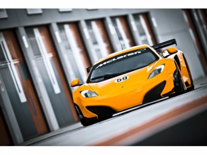 El McLaren MP4-12C GT3 listo para entrar en competencia