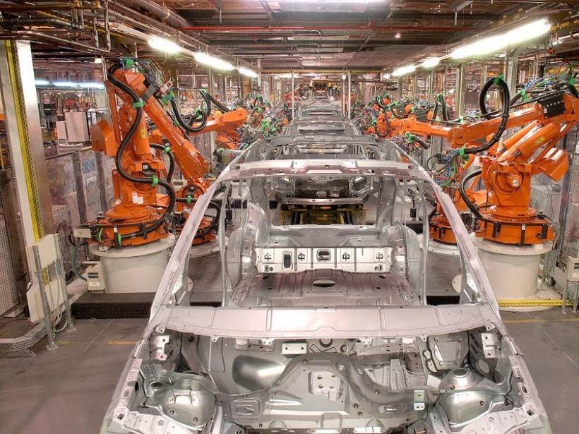 En 2010 se perdieron 2.894 empleos entre los fabricantes españoles de automóviles