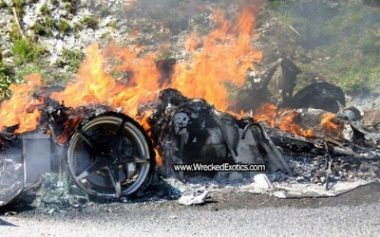 Ferrari 458 Italia destruido por las llamas