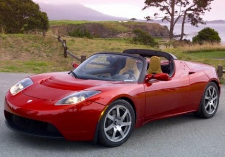 Ford, Nissan y Tesla fabricarán autos electricos.