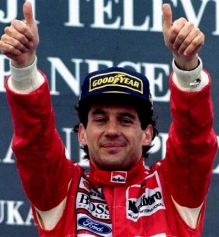 Hamilton pilotará el MP4-4 de Ayrton Senna