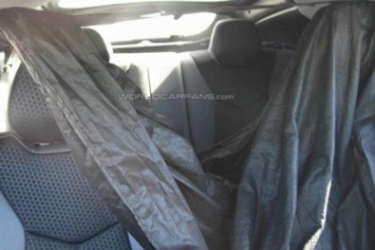 Hyundai Veloster espiado por dentro y por fuera.