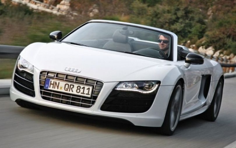 Iron Man 2 y su coche, un Audi R8 descapotable