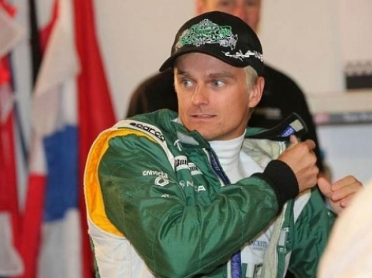 Kovalainen sufre un accidente en la Race of Champions