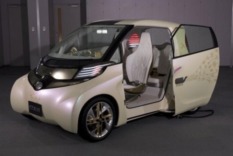 La apuesta de Toyota por nuevos coches híbridos y eléctricos
