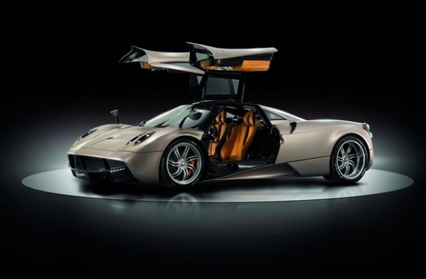 La versión roadster del Pagani Huayra llegará en 2014