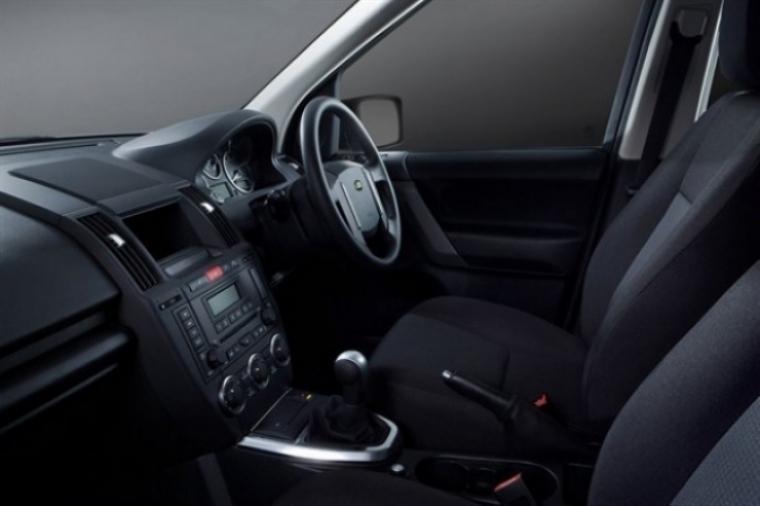 Land Rover lanza el Freelander 2 Black & White Edition.