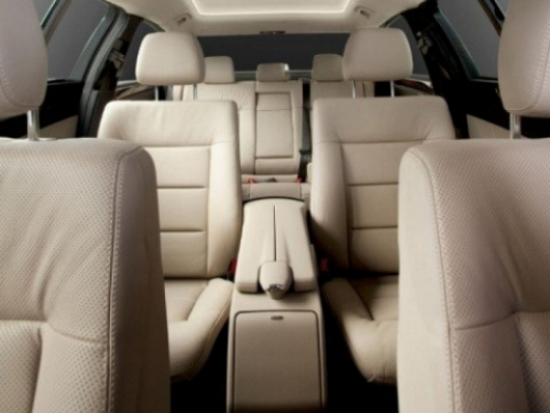 Mercedes Benz Clase E Limousine, solo para ejecutivos de alta gama.