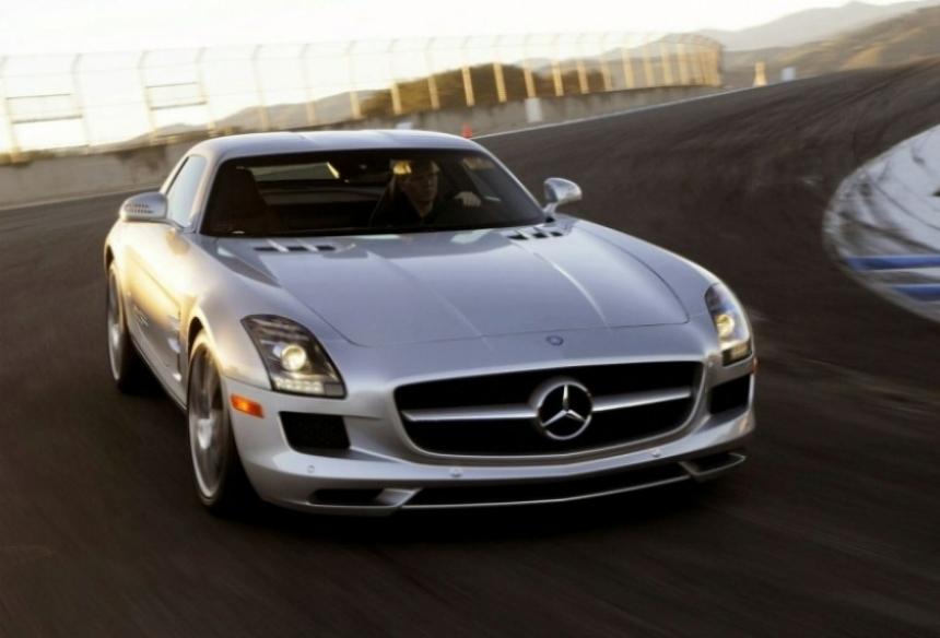 Mercedes Benz SLS AMG en acción