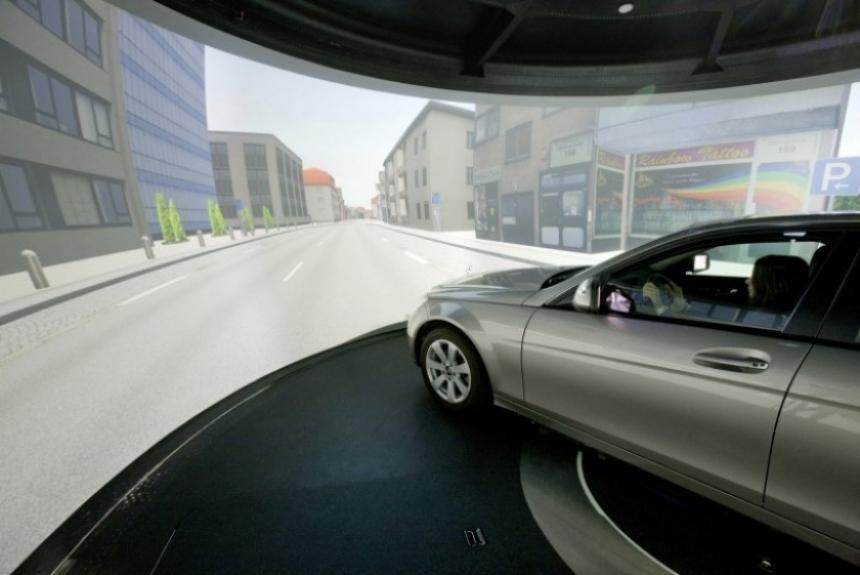 Mercedes construye un nuevo simulador de conducción
