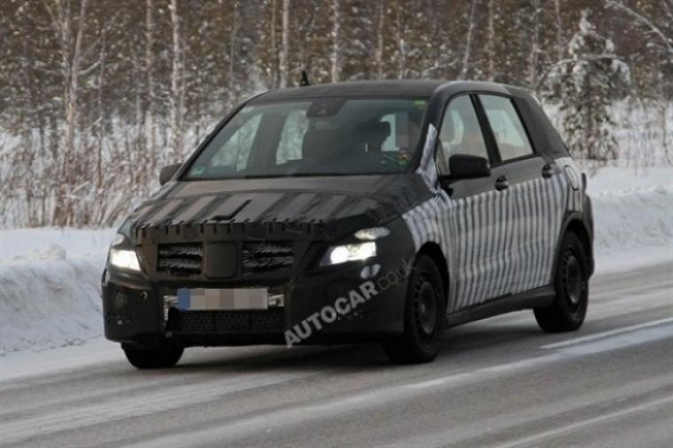 Mercedes planea tres nuevos modelos sobre la base del nuevo Clase B