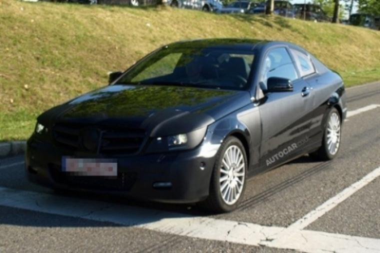 Mercedes planea un C63 AMG Coupé.