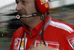 3 años después, Stepney (Ferrari) condenado a prisión