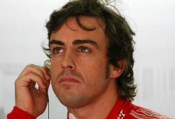 Alonso defiende a Hamilton por lo ocurrido en las calles de Melbourne