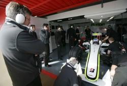Brawn GP realiza cambios radicales en su equipo