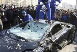 Destroza su Lamborghini Gallardo harto de las averías