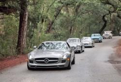 El Mercedes SLS AMG se encuentra con sus predecesores.