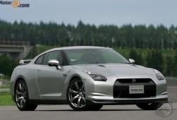 El Nissan GT-R se da unos pequeños retoques