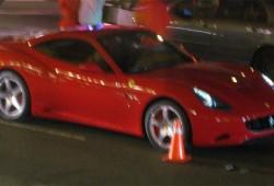 Ferrari California Pillado en las calles durante sesión fotográfica